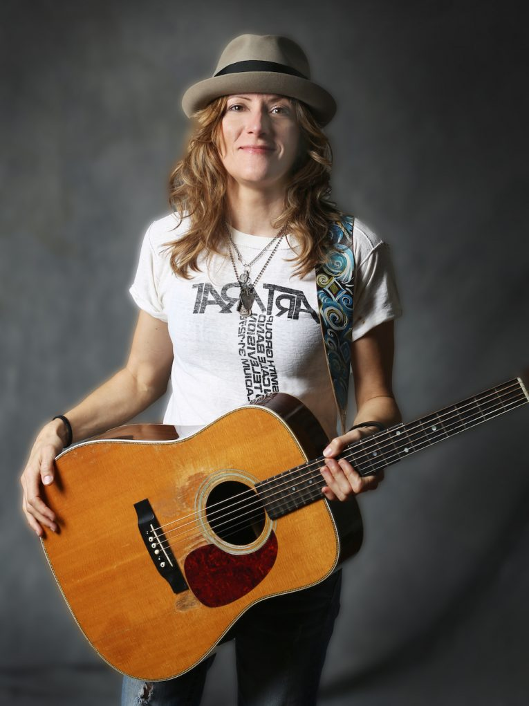interview, Michelle Malone, singer, songwriter, guitarist, Martine Ehrenclou, Rock and Blues Muse