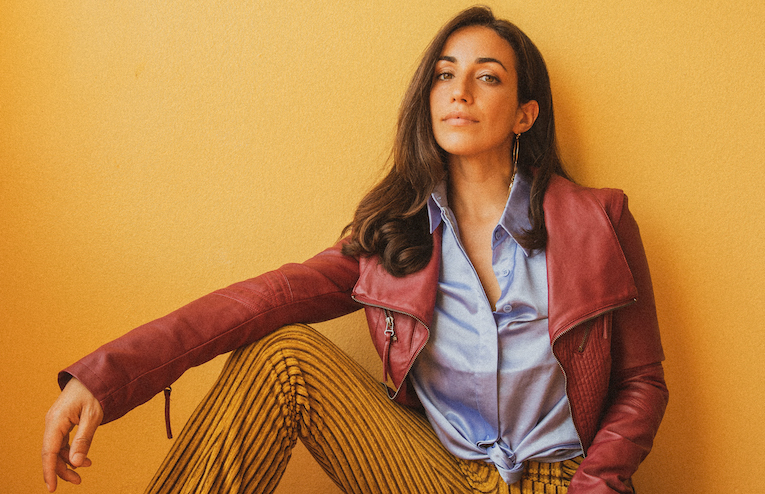 """Juliana Riccardi Releases """"Full Cup"""" Video - ROCK AND BLUES MUSE"""